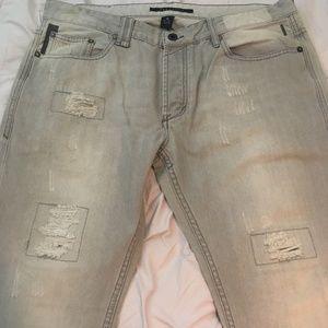 Like New! Sean John distressed light gray jeans